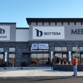Bottega at Shiloh Crossing - exterior signage and banner