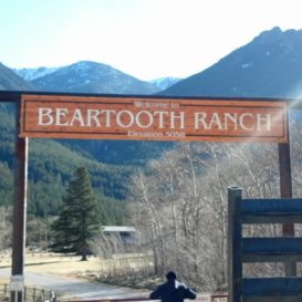 Beartooth Ranch - Ranch gate sign